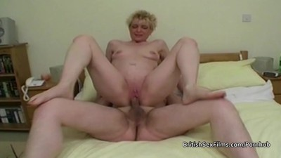 Mature amateur housewife..