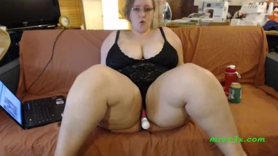 Sitting bbw wait one more..