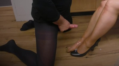 Footjob Shoejob Cumshots..