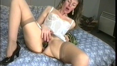 slut wife stretches her cunt..