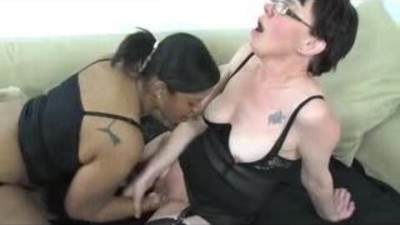Horny mature fisted and..