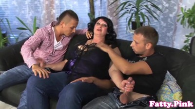 Fat milf cumsprayed on..
